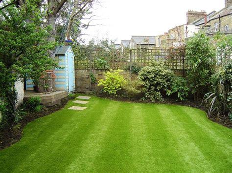 imagenes de jardines lindos terrace garden with artificial grass lawn