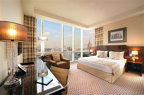 club rooms  moscows crowne plaza world trade centre hotel
