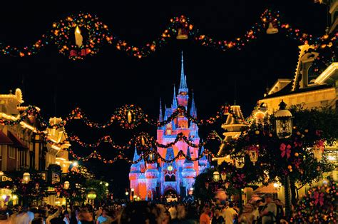 merry christmas at disney free large images