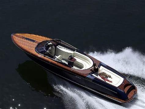 speedboot dealers nederland 2006 riva 33 aquariva power boat for sale www
