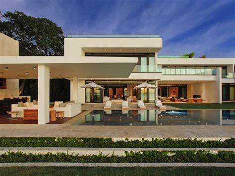 modern homes florida a superb modern home in miami beach florida