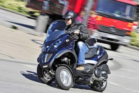 Mit Klasse B Motorrad Fahren 2013 by Auto Oder Motorrad In Der Stadt Motorroller