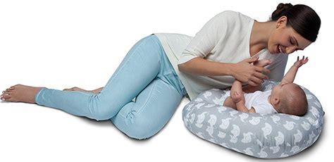 best nursing pillow best nursing pillows top 3 2017 best baby needs