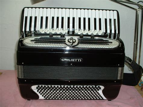 accordions for sale accordion for sale giulietti super continental