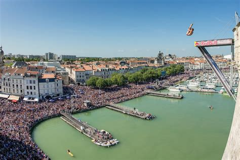 bull cliff dive bull cliff diving 2016 la rochelle