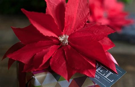 Poinsettia Paper Craft - paper poinsettia craft inspiration