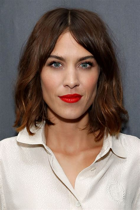 alexa chung hairstyles 10 hottest celebrity wavy hairstyles to try now