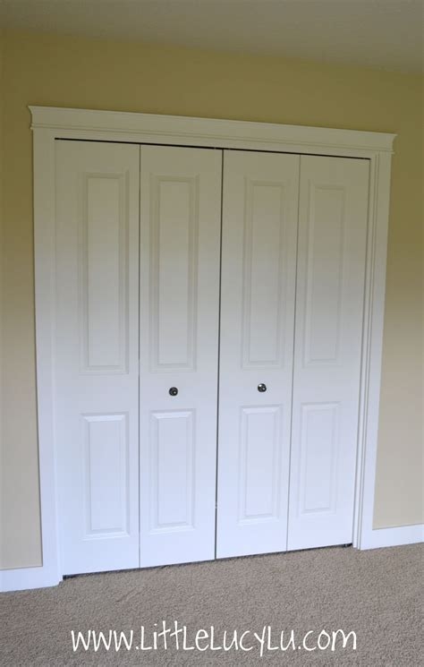 Where To Put Knobs On Bifold Doors by Simple Bedroom With Accordion Folding Closet Doors White