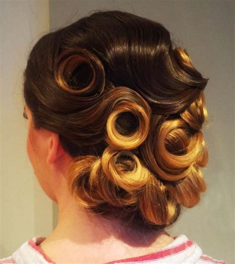 Soft Pin Up Hairstyles by 40 Pin Up Hairstyles For The Vintage Loving