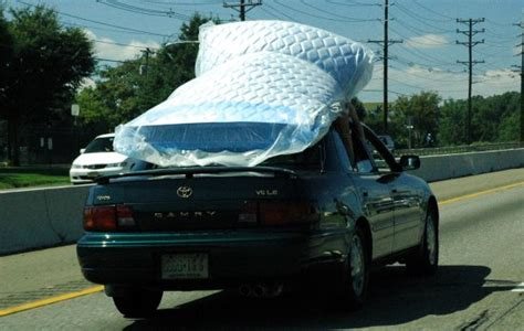 how to your not to cars how not to carry a mattress on your car right driver highway code resources