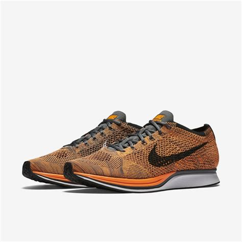 Nike Air Max Flyknit Total Orange nike flyknit racer total orange dead stock sneakerblog