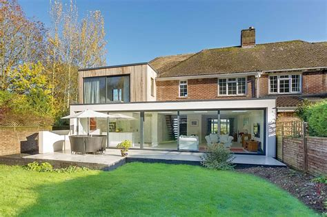 Facelift Kitchen Cabinets by Classic English Home With Brick Fa 231 Ade Acquires A Nifty Modern Extension