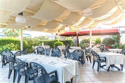 hotel tenda rossa marina di carrara hotel tenda rossa reviews price comparison marina di