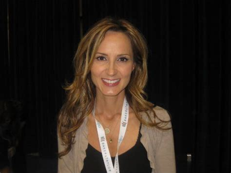 Country Singer Comes Out Closet by Chely Wright S Confessions From Inside A Country Singer S
