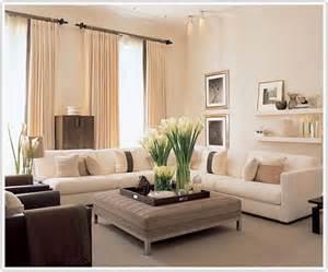 Shabby Chic Leather Sofa by Salon W Odcieniach Beżu Inspiracje Madziof Pl