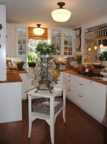 Small Cottage Kitchen Ideas by Small Cottage Kitchen Makeover Eclectic Kitchen Dallas