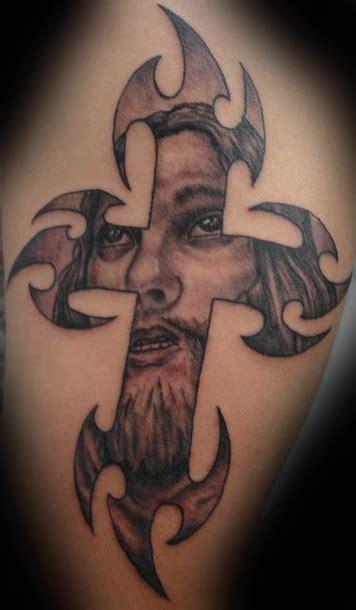 cross tattoo jesus inside jesus cross by five nineteen on deviantart