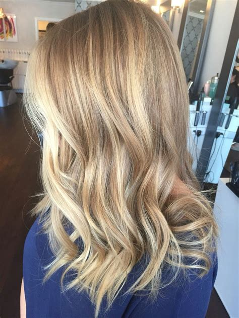 pictures of golden blonde hair highlights on blonde hair golden blonde highlights pictures to pin on pinterest