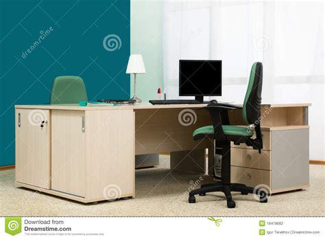 dans un bureau bureau dans un bureau moderne photographie stock image