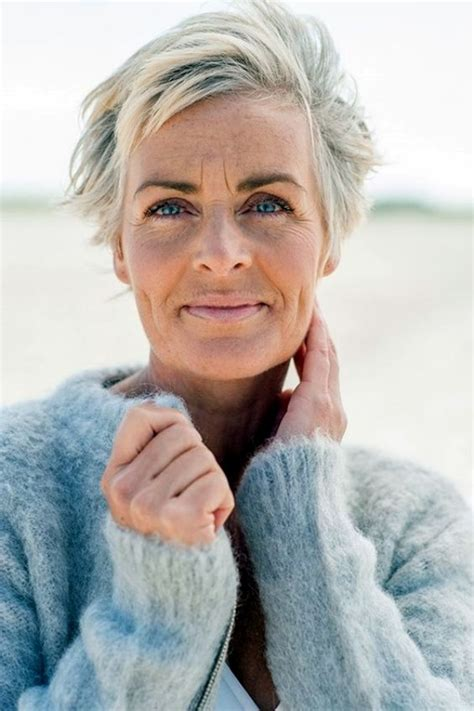 anti aging haircuts 40 anti aging short hairstyles for older women