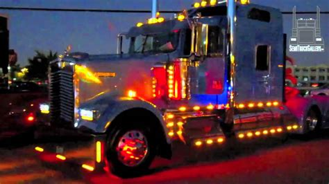kw semi truck kenworth semi truck showing lights semitruckgallery com
