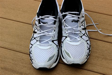 cleaning athletic shoes how to clean running shoes 5 easy steps runners pace