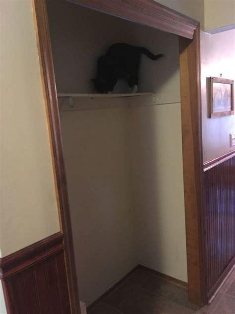 easy diy bench  entryway closet
