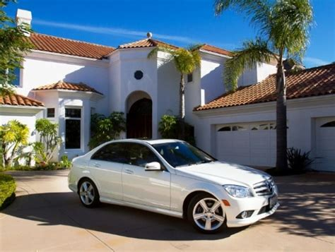 House And Cars by Buyers Of A Luxury House In Laguna Niguel Get A Merc Free