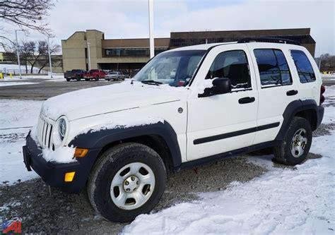 2006 jeep liberty tire size auctions international auction niagara falls water