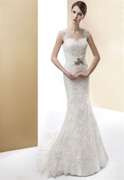 Elegant Lace Trumpet/mermaid Beading Straps Sweep/brush Train Wedding Dresses   Rosa Novias Canada