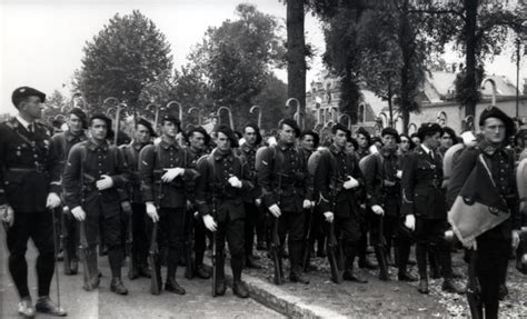 Pied De Le 1939 by Bca Les Bataillons De Chasseurs Alpins M 233 Moire Des Alpins