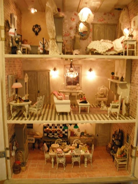 inside of a doll house inside a doll house 28 images i couldn t resist this vintage colonial dollhouse