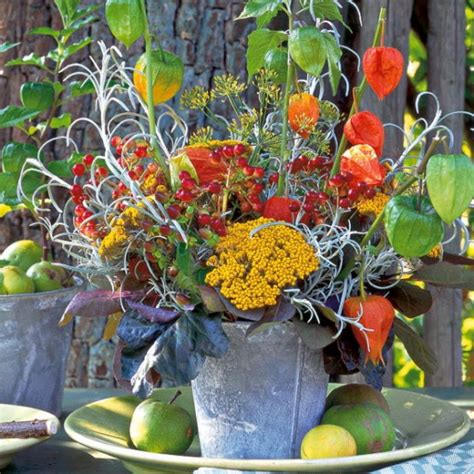 cool fall decorations 50 cool fall flowers d 233 cor ideas for your home digsdigs