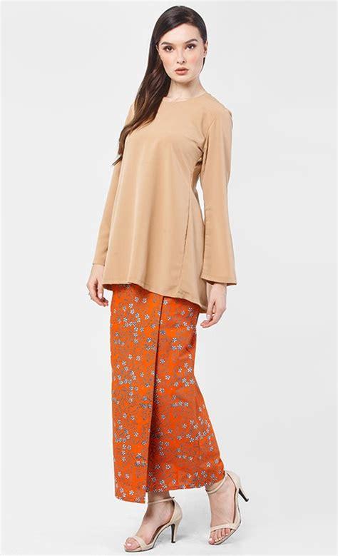 Batik Fashion Wanita Asymetric Orange sarung batik cop in orange fashionvalet