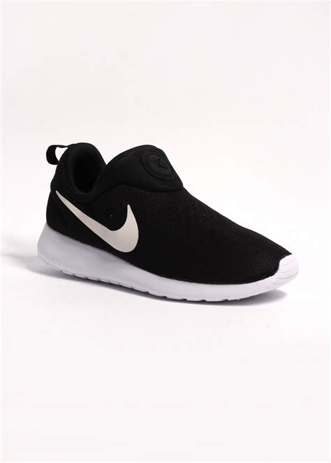 black and white pattern nike trainers nike rosherun slip on black white