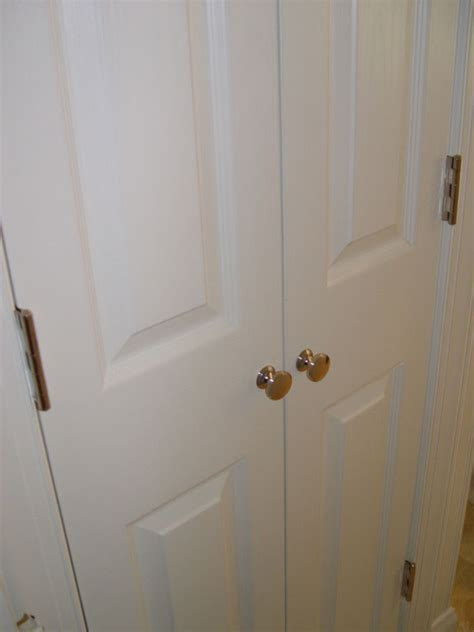 Wardrobe Door Knobs by Closet Door Knobs Closet Doors And Sliding Closet Doors