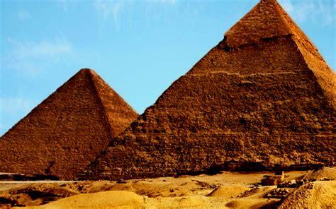 interno della piramide di cheope egitto rinvenuta una stanza segreta all interno della