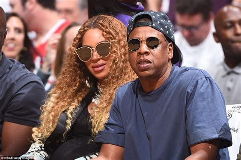 beyonce pays 13m to buy husband jay z a bugatti the beyonce and jay z land 88m la home thanks to 52m loan