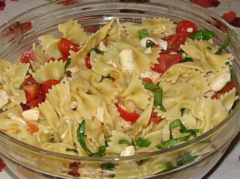 cucinare pasta fredda pasta fredda le migliori 5 ricette estive buttalapasta