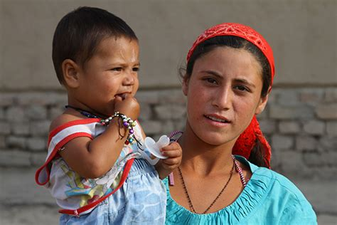 uzbek people article about uzbek people by the free people of uzbekistan travel pictures