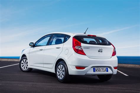 hyundai car accent price 2015 hyundai accent pricing and specifications photos 1