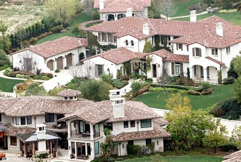 justin beibers house inside justin bieber s house