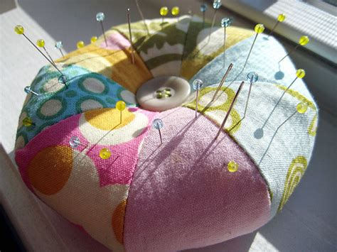 Last Minute Patchwork And Quilted Gifts - pretty pretty pincushion and muffins sew wrong