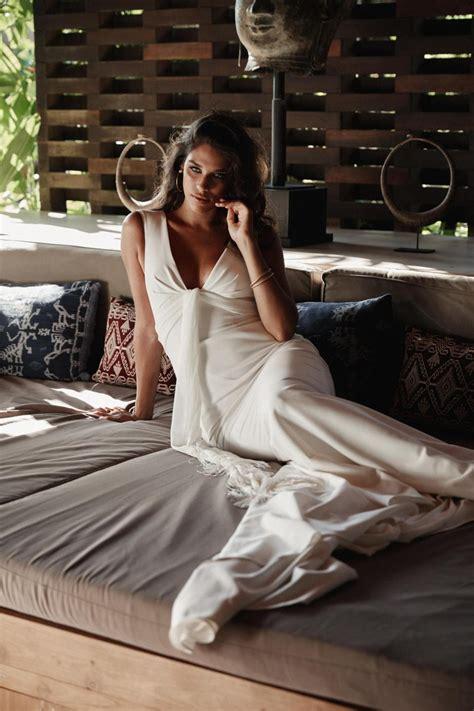 arabella simple sheath wedding dress karen willis holmes