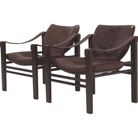 brown armchairs pair of arkana quot safari quot armchairs in dark brown leather