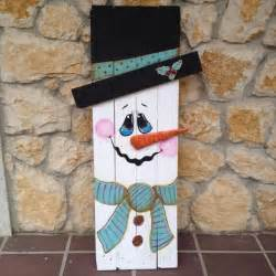 recycled wooden pallet christmas decor ideas recycled