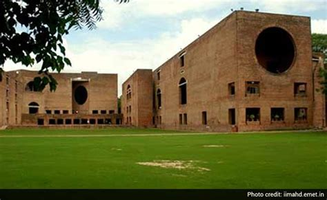 Distance Mba From Iim Fees by Iim Ahmedabad Hikes Post Graduate Course Fee By Rs 1 Lakh