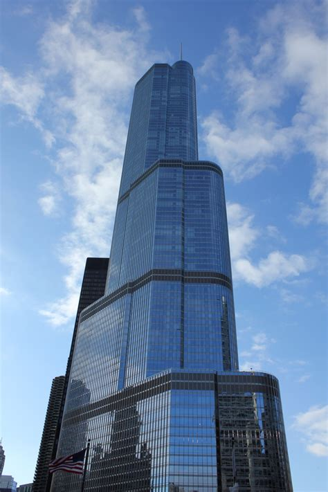 trump tower chicago il chicago pinterest trump tower chicago illinois usa my favorite places