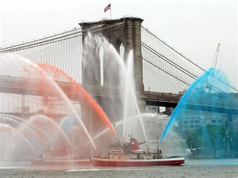 nyc fireboat 343 fdny s new fireboat the 343 damaged in crash report