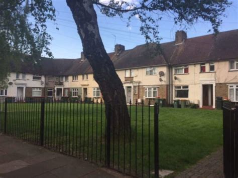 2 bedroom house to rent in plaistow 2 bedroom semi detached house to rent in botha road london e13
